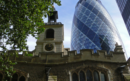 The_church_of_St_Helen's,_Bishopsgate,_London_with_-The_Gherkin-.